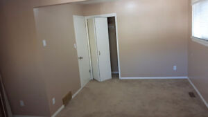 Large 2 bdrm upper level bungalow for rent Strathcona County Edmonton Area image 6