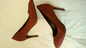NWT Le Chateau red pumps 10