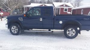 2010 Ford F-250 XLT Pickup Truck