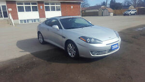 2008 Hyundai Tiburon WITH SUN ROOF, CD CHANGING REMOTE AND 2 DOO