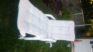 WHITE LOUNGER AND PAD Cambridge Kitchener Area image 2