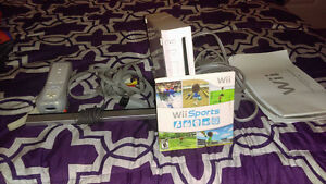 2 Nintendo Wii Games and Nintendo Wii