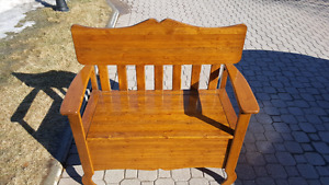 Bench/storage box