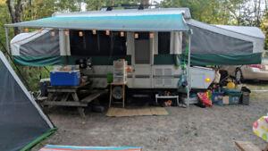 Tente Roulotte 14 pieds toute équiper pour 8 personnes