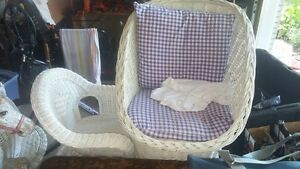 White Wicker Set