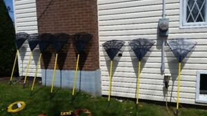 7 BRAND NEW PLASTIC AMES BRAND FAN RAKES FOR GRASS AND LEAFS