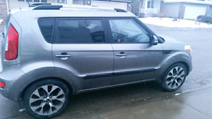 Kia soul 4U fully loaded -excellent condition