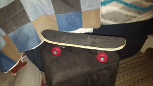 "17 Inch Wood Mini Cruiser Skateboard • Dimension:17""x4.9""x3.3""."