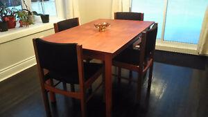 Superbe mobilier de salle à manger vintage mid-century en teck