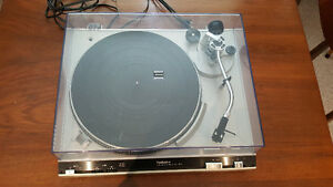 Vintage Technics SL-3200 Stereo Turntable Record Player