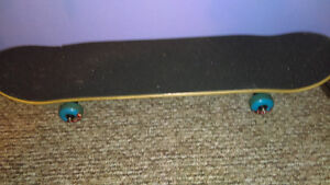 Like new, Used 4 times, Paid 115$ at OLS Skateboard