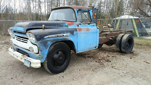 1959 chevrolet viking 2 tons (apache cab)