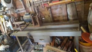 Wood Lathe and Cutting Tools