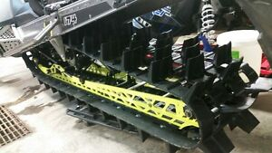 """2017 polaris 174""""x3"""" track from LE , like new take off"""