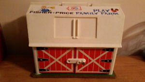 1967 FISHER PRICE FAMILY PLAY FARM IN AMAZING CONDITION!!!!!!!!! London Ontario image 2