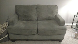 Love seat in great condition