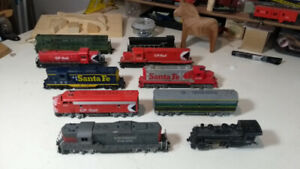 HO Scale Model Train Engines Locomotives