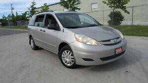 2006 Toyota Sienna, Only 158000 km, 3 years wartranty available