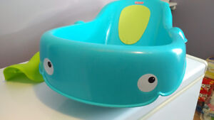 Fisher Price Whale Baby Bathtub