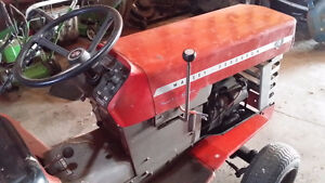 "Massey Ferguson 16hp hydrostatic lawn tractor with a 48"" deck"