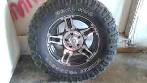 5 Mickey Thompson Tires mounted on rims for jeep 33's