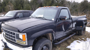 1990 6.2 diesel dually 4x4 part out