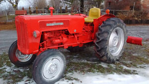 International 414 Diesel Tractor with 6' Blade