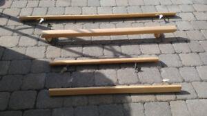 3 rampes en bois en bon état.