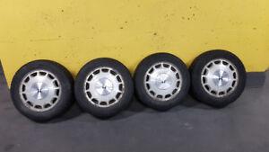 pneus d'hiver 195/60/R15 montés sur mags aluminium HONDA