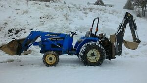 NEW HOLLAND TC30 and Backhoe