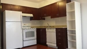Heat, Water & Power INCLUDED!! 1 Bed Condo