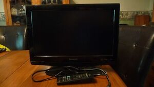 "19 "" Sharp Wide Screen HD LCD TV"