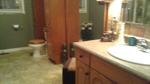 Room for rent, shared house Cornwall Ontario image 8
