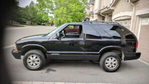 **LOW KM'S** 2005 GMC Jimmy 4x4