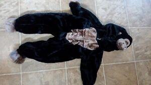 gorilla costume size 2/3