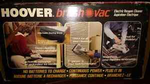 HOOVER ELECTRIC BRUSH VAC WITH 18 FOOT CORD Oakville / Halton Region Toronto (GTA) image 1