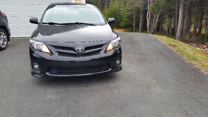 *PRICE DROP* 2013 Toyota Corolla Sport Sedan, Fully Loaded