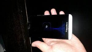 BlackBerry Z30 Unlocked Kitchener / Waterloo Kitchener Area image 2