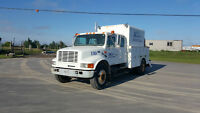 2002 International 4700 Service Body