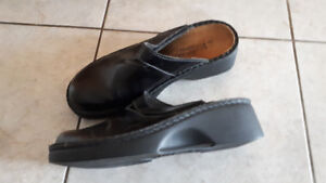 FS: Naot clogs/mules/slip-on black Ladies shoes - size 40