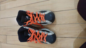 Shoes Addidas pro model size 4  for boys