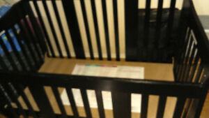 4-in-1 Convertible Crib Black, good condiction like new