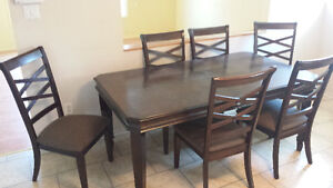 beautiful dining room set solid wood with 6 chairs and leaf