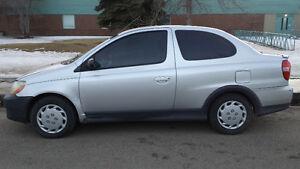 2000 Toyota Echo Coupe (2 door)