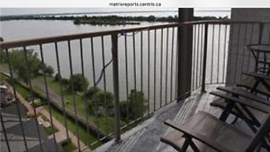 A beautiful large 41/2 beautiful waterview Condo in Brossar