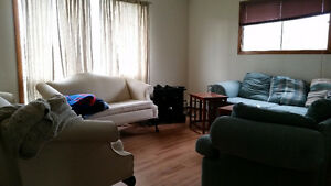 Large 3 bedroom unit located in Fairview, Laundry incl.