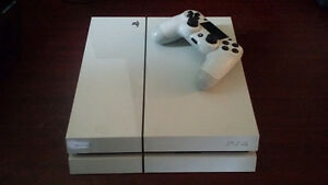 Sony Playstation 4 Glacier White