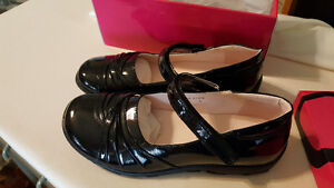 Big Girl Shoes size 5