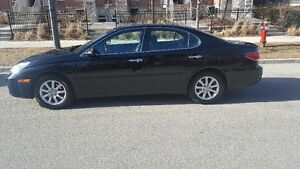 2005 Lexus ES Sedan (PRICE IS NEGOTIABLE)