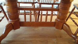 Wooden Dining Room Table and Chairs Belleville Belleville Area image 3